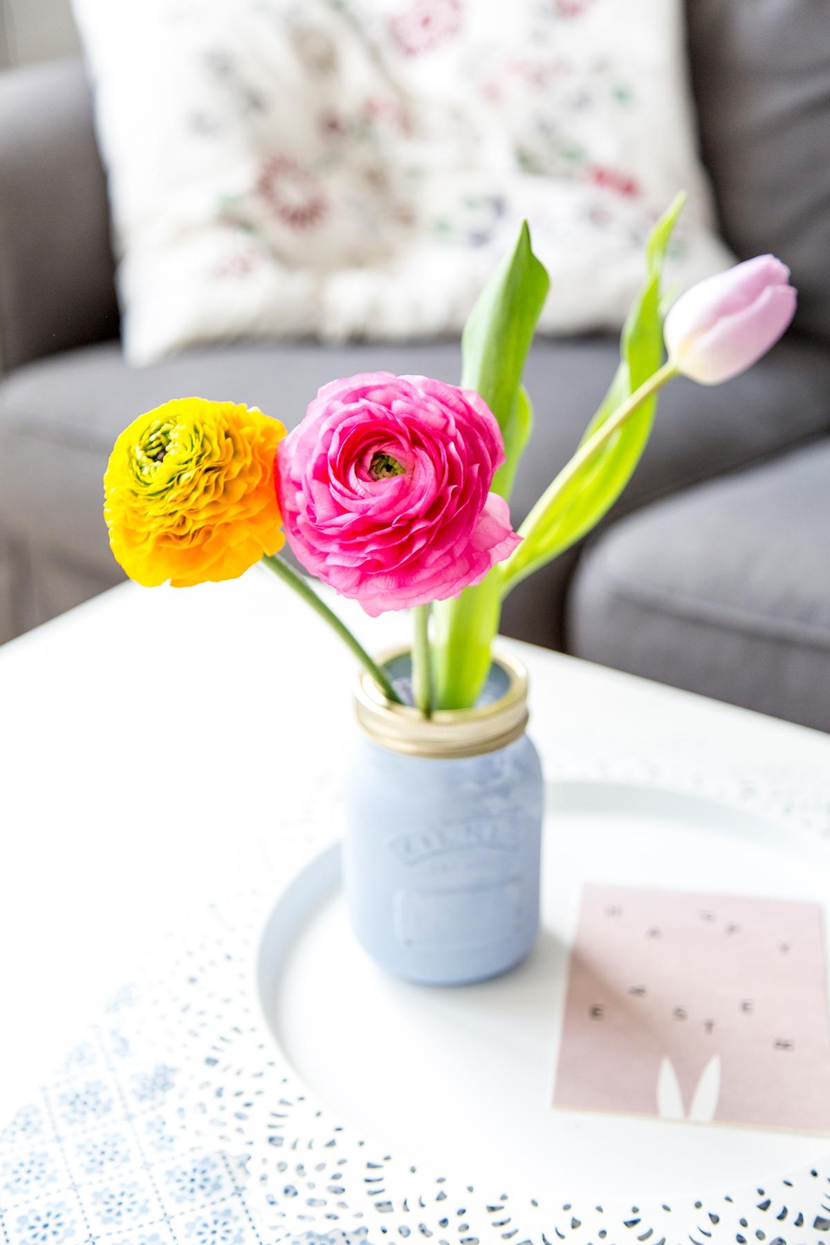 diy schminktisch aufbewahrung mit kreidefarbe. Black Bedroom Furniture Sets. Home Design Ideas